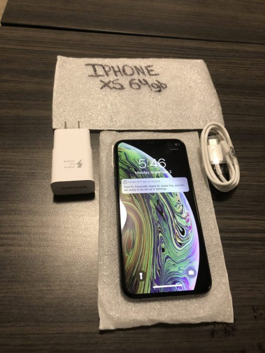 iPhone-XS-Front